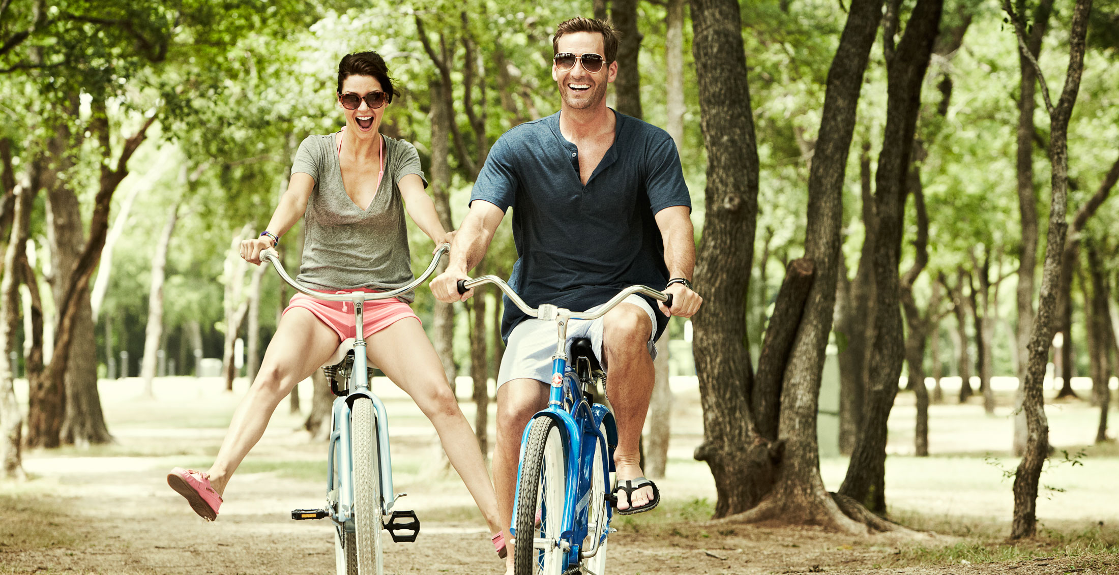 Modere_Couple-Biking_265