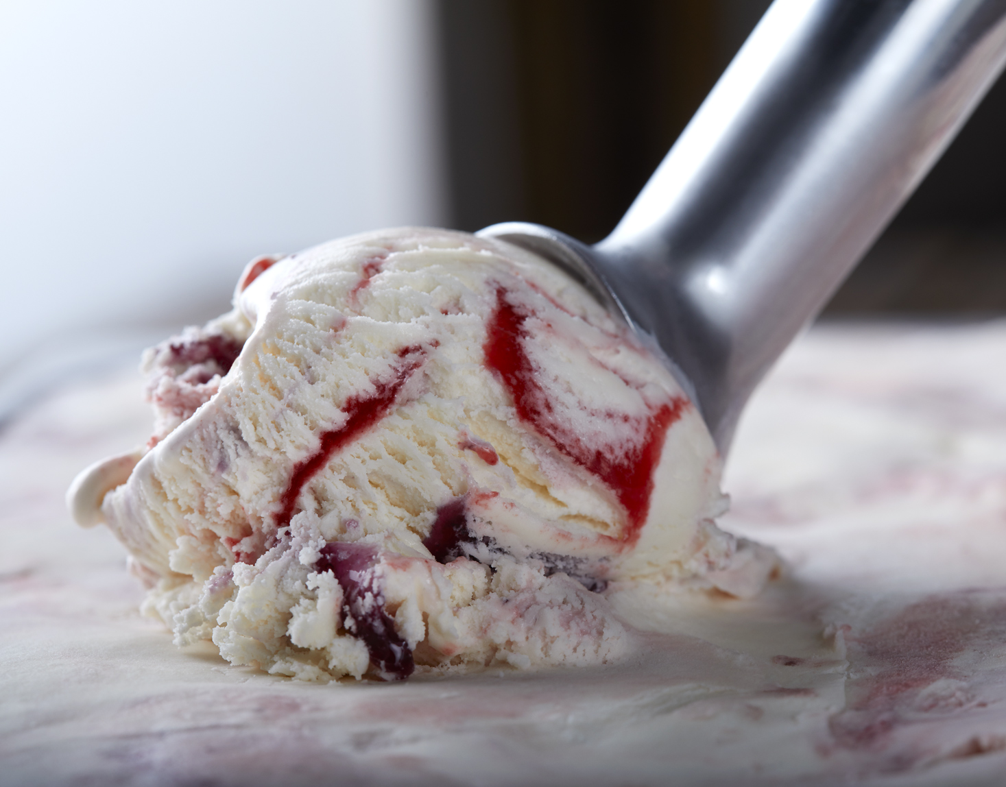 Scoop_Berry-Swirl-ice-cream_apf
