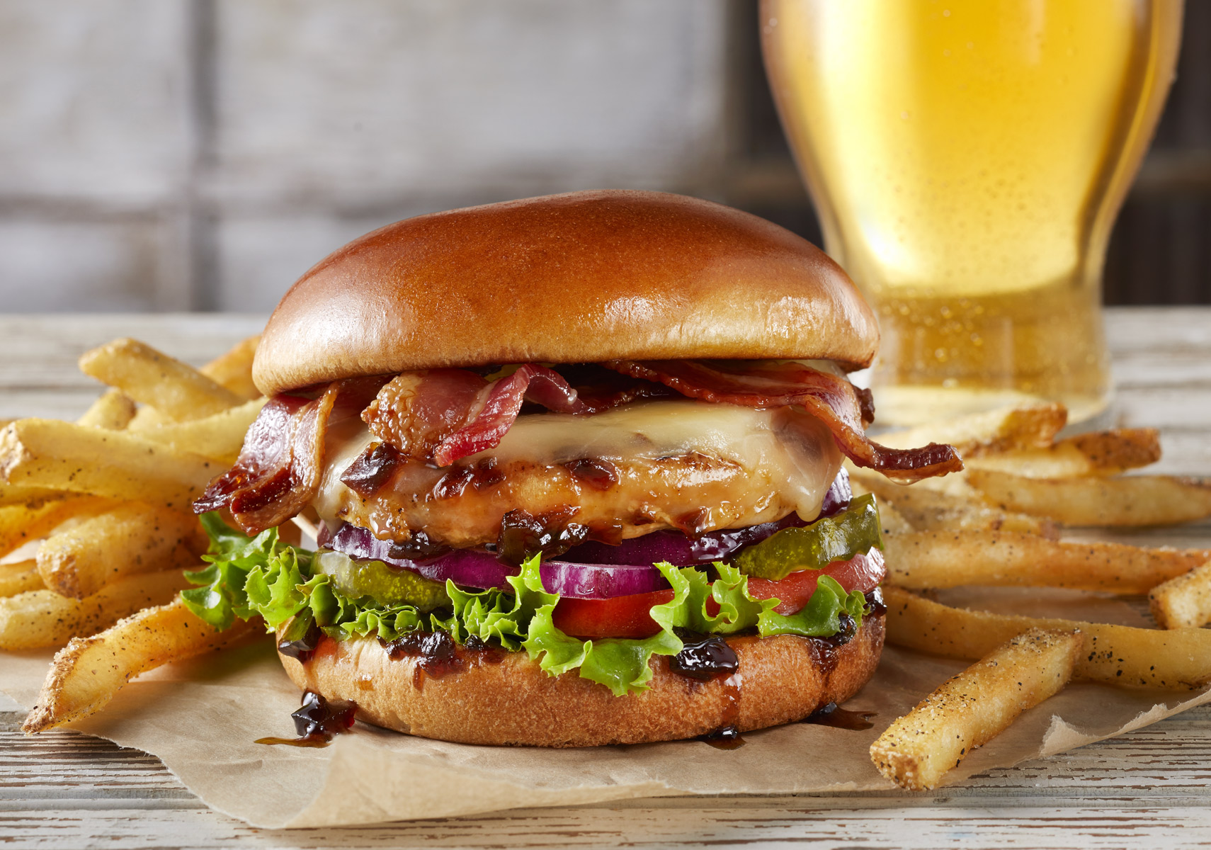 Tgif_Whiskey-Glazed-Chick-Sandwich_Beer_CK-apf